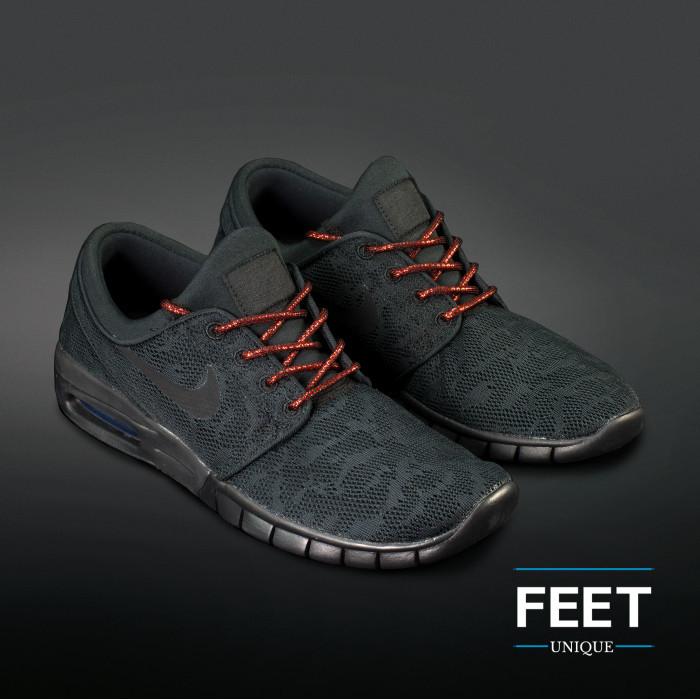 Adidas Yeezy - Skosnören Svarta och Metalliska Röda